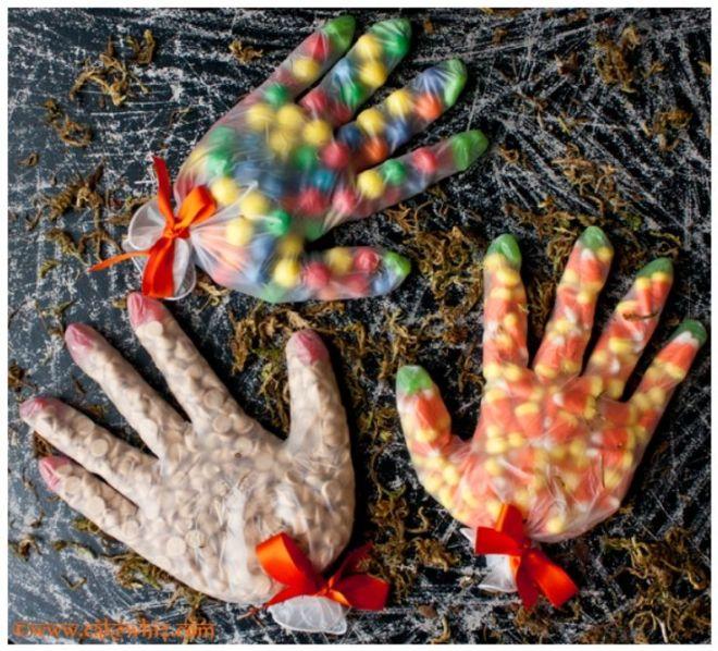 Caramelos en forma de mano tenebrosa! Encontrada en topinspired.com